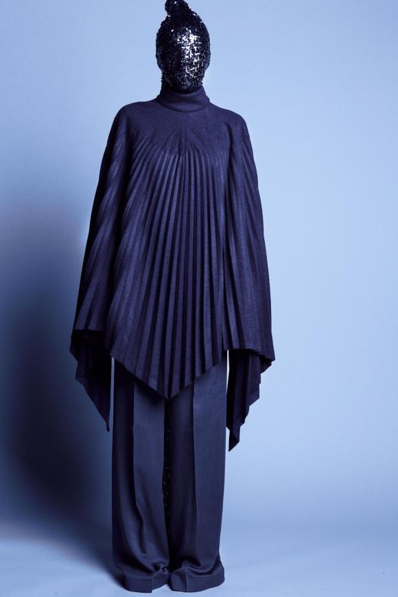 Navy pleated 'You talk too much' poncho coat