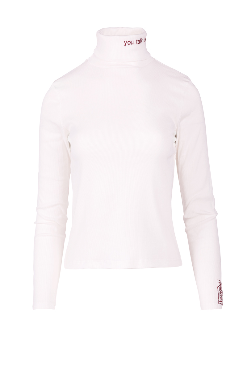 embroidered turtleneck in white